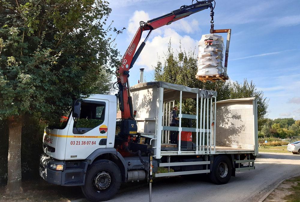 Camion grue livraison Pellet, Bois de chauffage, charbon dans les Hauts-de-France